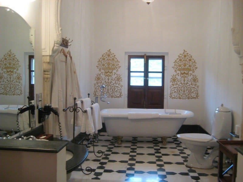 Bathroom-Samode-Palace-Jaipur