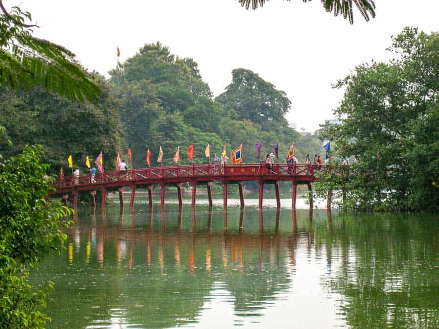2 days in Hanoi, Red Húc bridge.