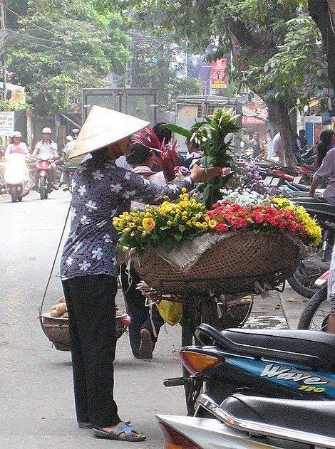 Flower seller in Hanoi