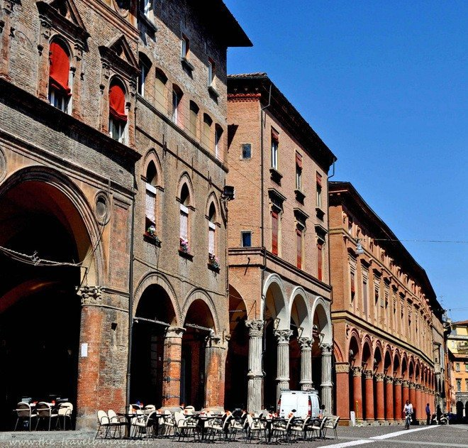 Bologna and a Penchant for Porticoes