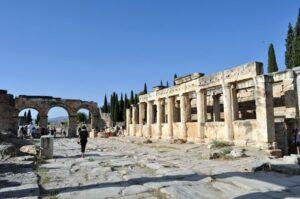 Collonades, Hierapolis