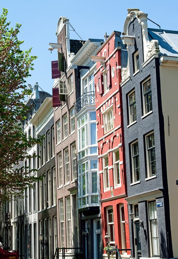 Leaning Amsterdam Houses