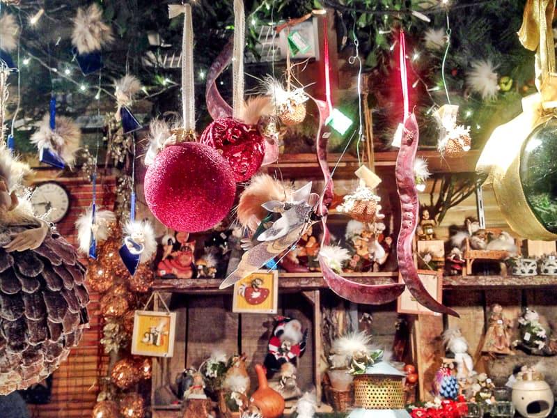 christmas shop bruges
