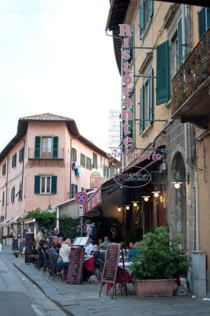 Via Santa Maria, Pisa