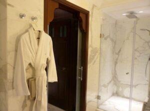 Bathrobe-shower