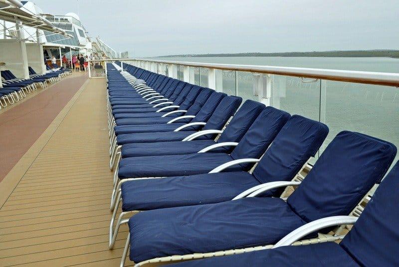 sun-beds-cruise-ship