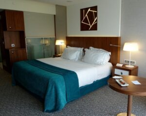 Sana-epic-hotel-bedroom-lisbon