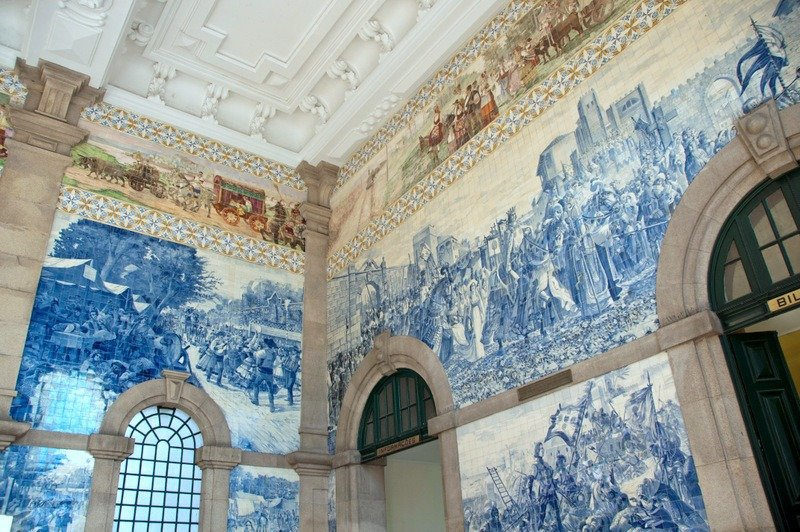 Azulejo Tiles São Bento Station