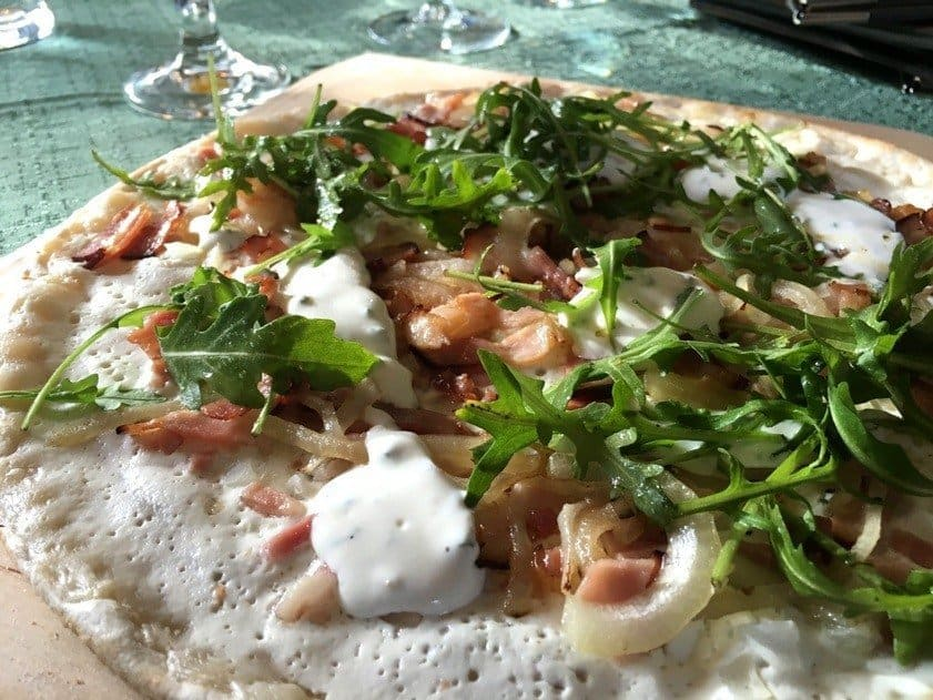 Bacon-onion-sour-cream-tarte