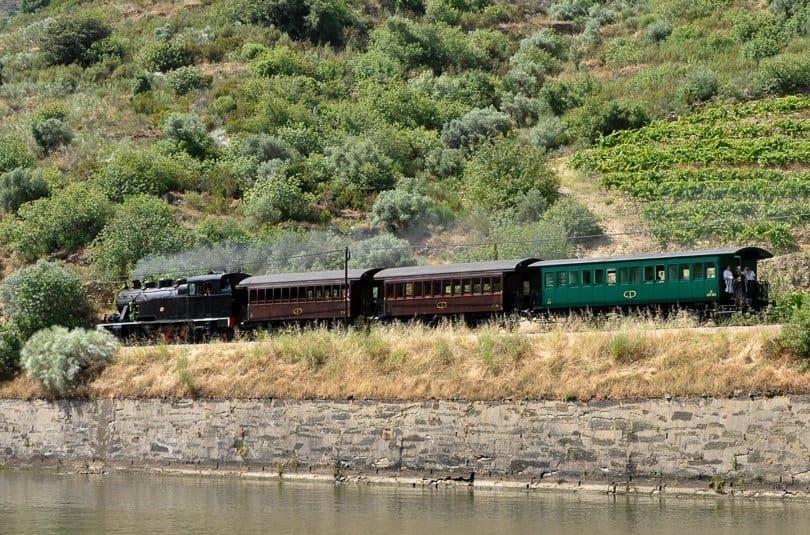 douro-valley-steam-train-portugal