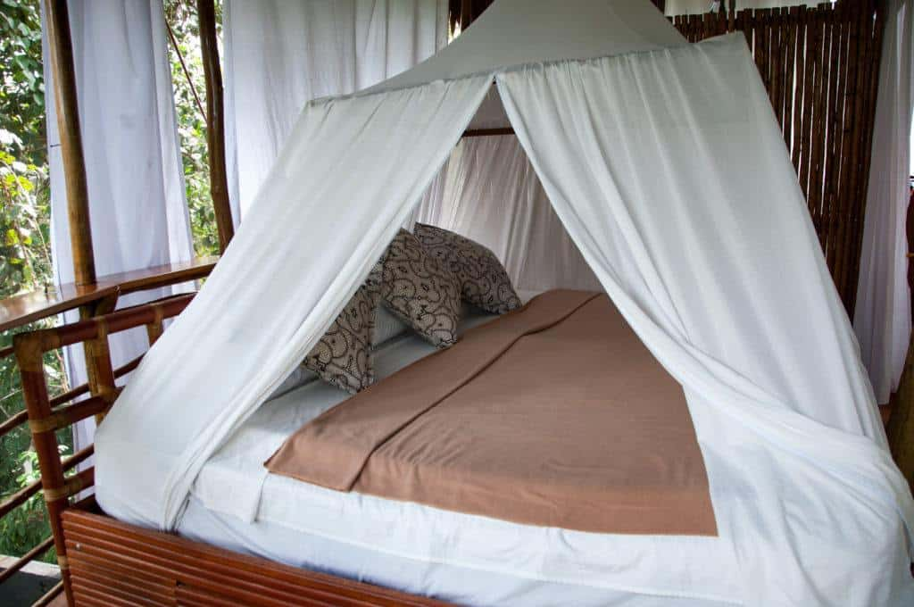 treehouse-bed