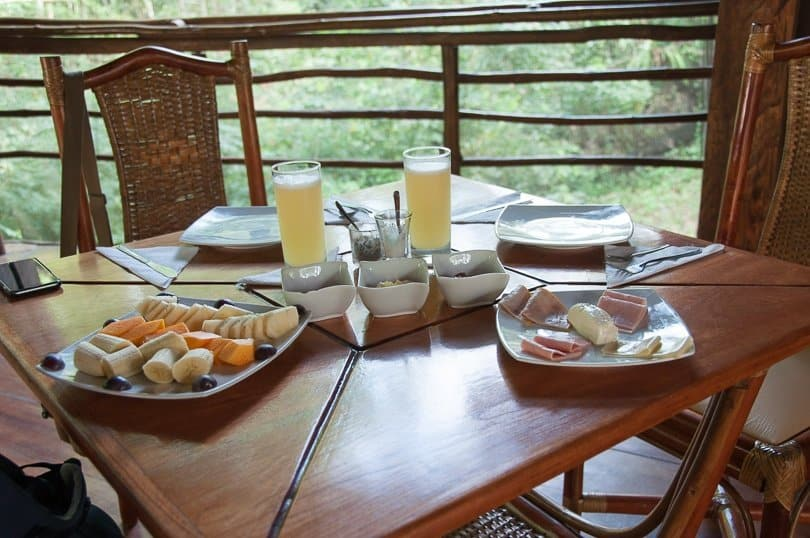 treehouse-lodge-breakfast
