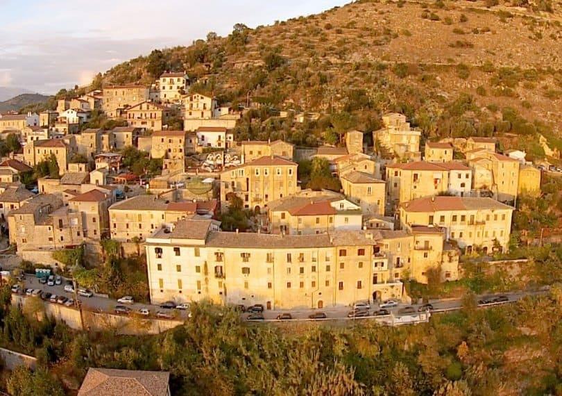 Palazzo-Tronconi-arce-italy