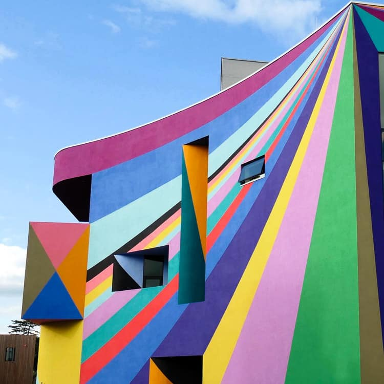 Towner Gallery Eastbourne with Lothar Gotz colourful mural