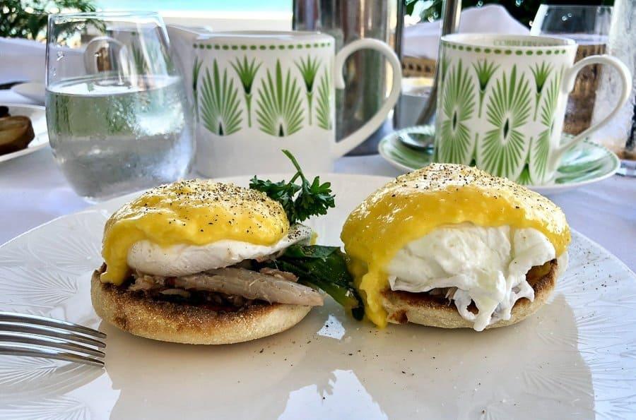 Eggs Benedict with crab