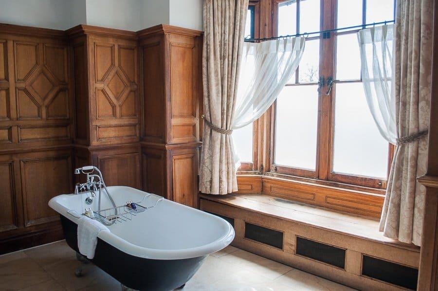 The Wood Norton Hotel bathroom, Evesham