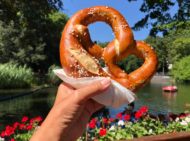 Giant Pretzel, Cologne