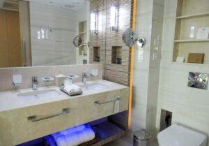 Amavi Hotel Bathroom