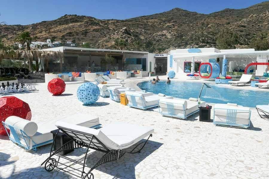 Free Beach Club, Ios