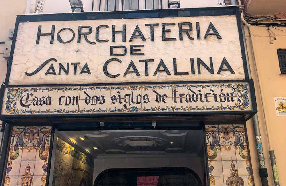 Horchateria de Santa Catalina shop front with tiles