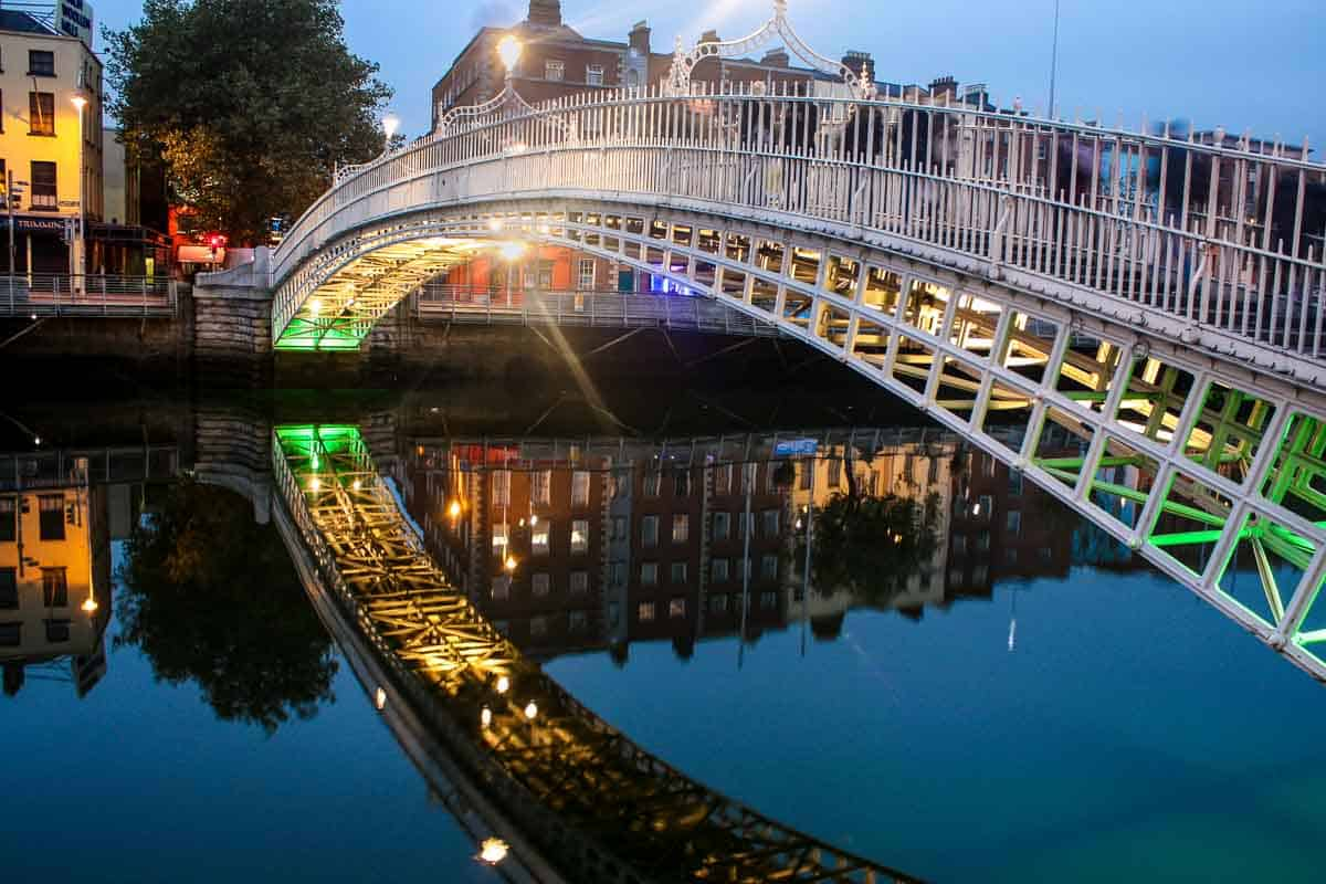 Ha'penny Bridge, Dublin