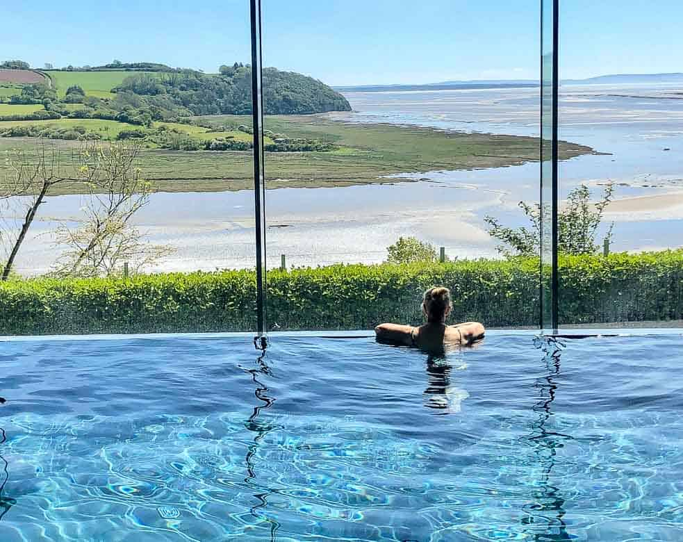 Dylan Coastal Resort Spa - infinity pool with view