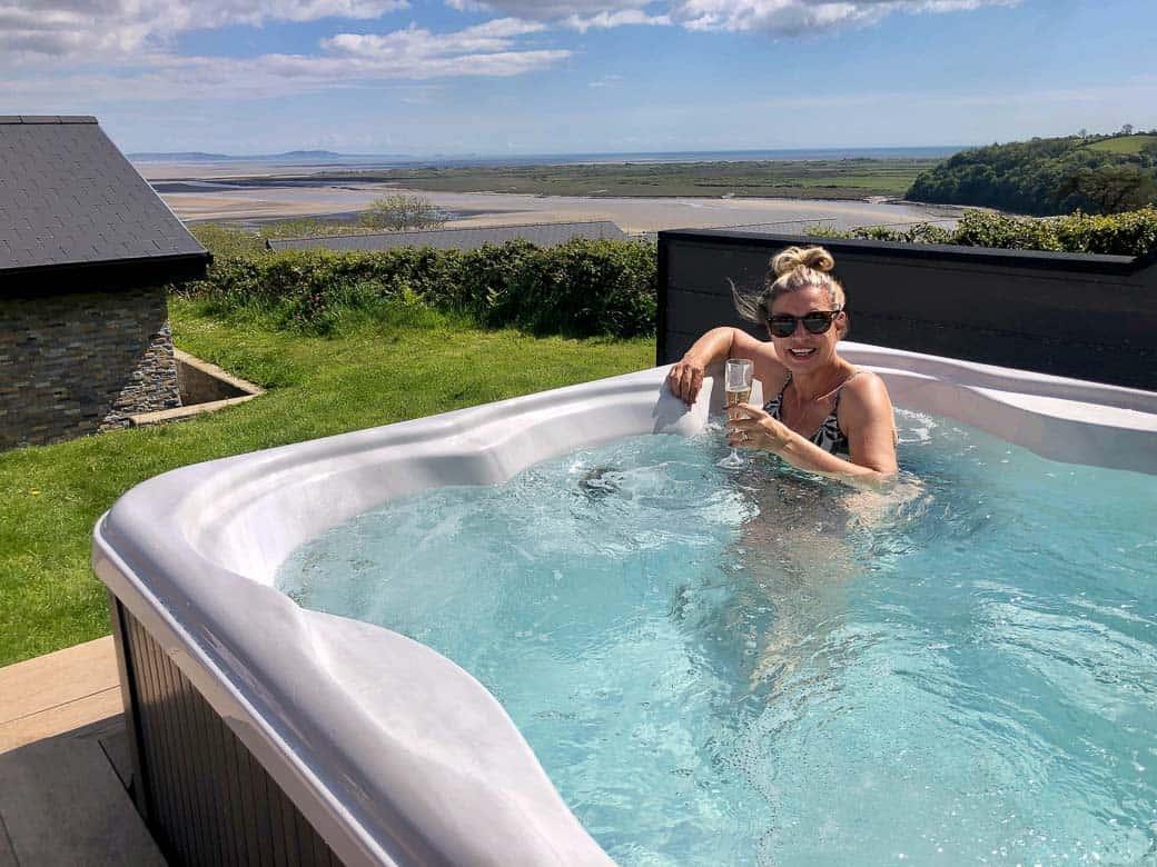 Luxury lodge with hot tub, Dylan Coastal Resort